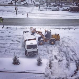 Лопата на колесах для уборки снега цена